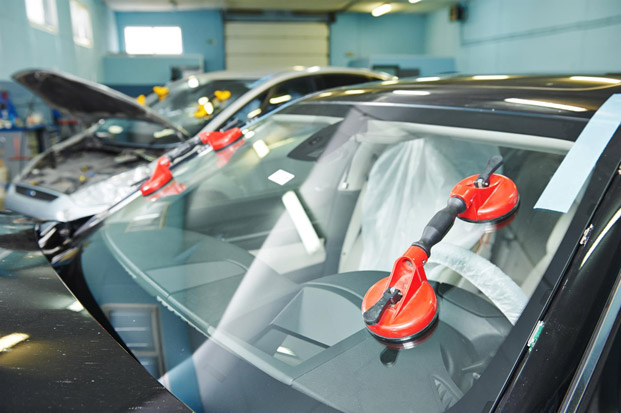sostituzione vetri auto roma